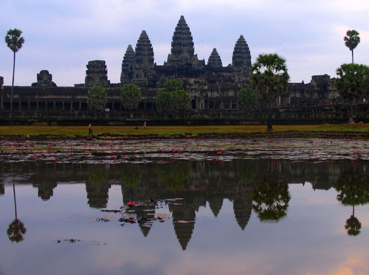 09-angkorwat is a place to visit in Cambodia for all ages!