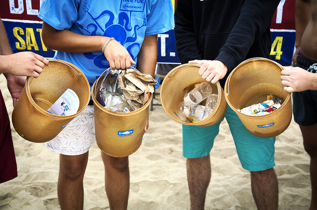 Outdoor Activities for Kids in Los Angeles - Beach Cleanup