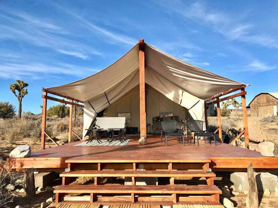 Glamping in Southern California is amazing in the desert of Joshua Tree