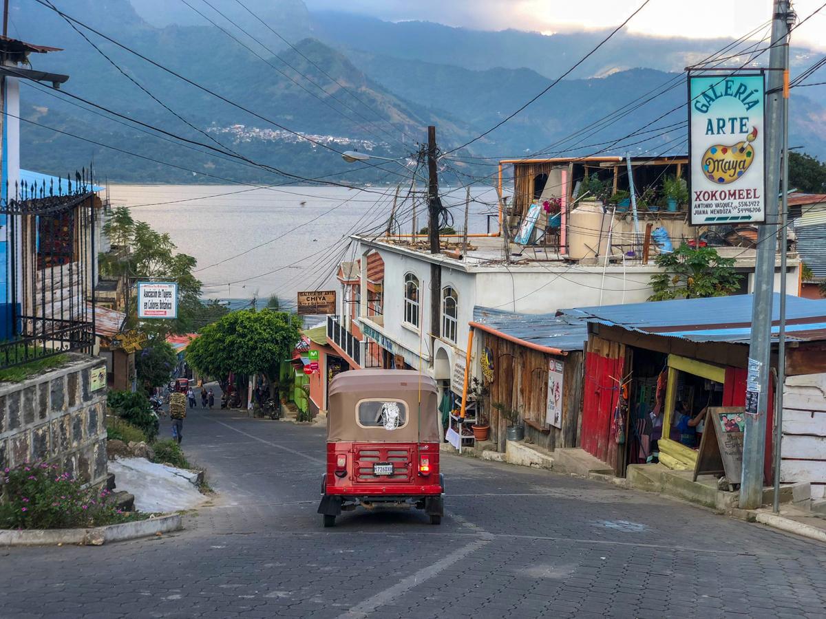 Where to learn backstrap weaving in Guatemala